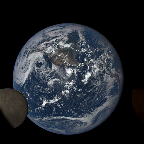 Image https://epic.gsfc.nasa.gov/epic-galleries/2015/lunar_transit/thumbs/197_2015197203604-sm.png