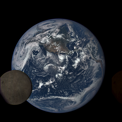Image https://epic.gsfc.nasa.gov/epic-galleries/2015/lunar_transit/thumbs/197_2015197205104-sm.png