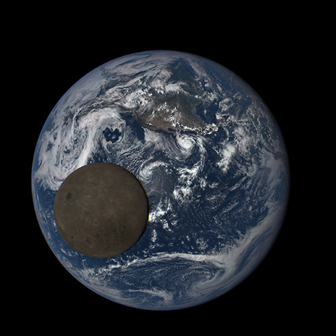 Image https://epic.gsfc.nasa.gov/epic-galleries/2015/lunar_transit/thumbs/197_2015197213709-sm.png