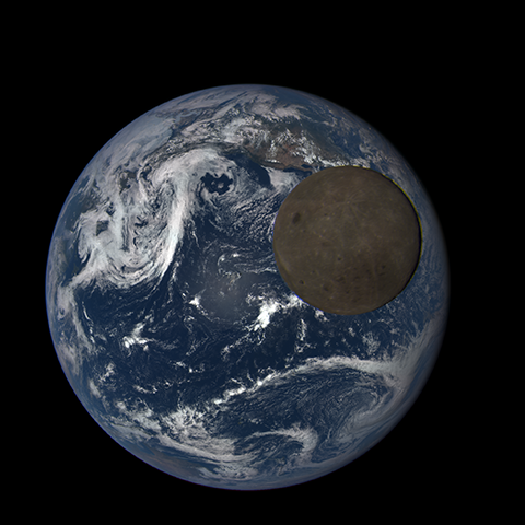 Image https://epic.gsfc.nasa.gov/epic-galleries/2015/lunar_transit/thumbs/197_2015197230604-sm.png