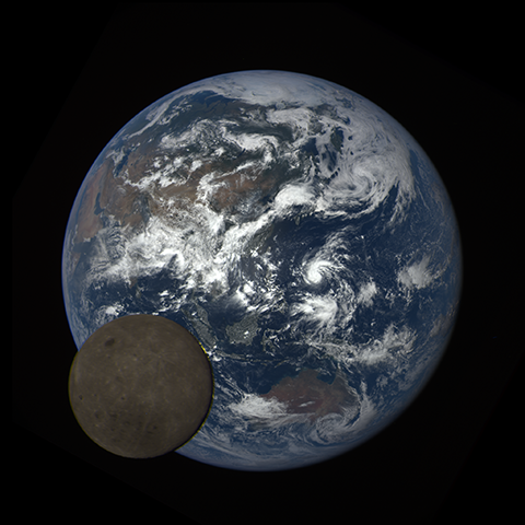 Image http://epic.gsfc.nasa.gov/epic-galleries/2016/lunar_transit/thumbs/epic_1b_20160705044720_01-sm.png