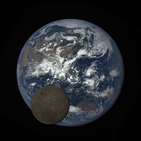 Image https://epic.gsfc.nasa.gov/epic-galleries/2016/lunar_transit/thumbs/epic_1b_20160705050716_01-sm.png