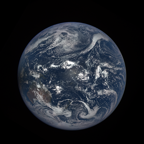 Image http://epic.gsfc.nasa.gov/epic-galleries/2016/solar_eclipse/thumbs/169_2016069000104-sm.png