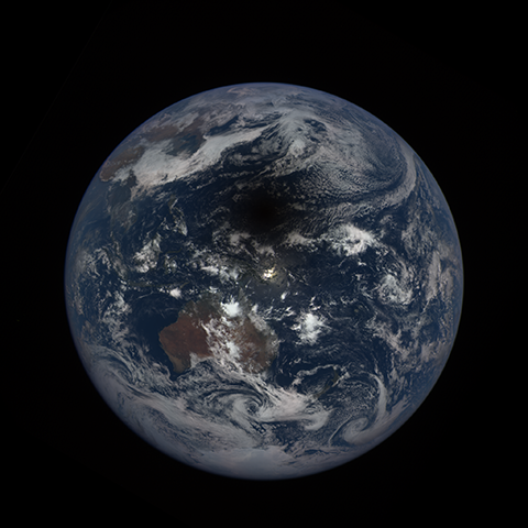 Image http://epic.gsfc.nasa.gov/epic-galleries/2016/solar_eclipse/thumbs/169_2016069020104-sm.png