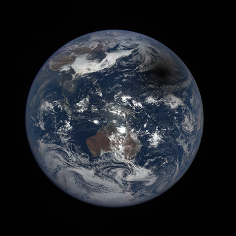 Image http://epic.gsfc.nasa.gov/epic-galleries/2016/solar_eclipse/thumbs/169_2016069030104-sm.png