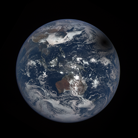 Image http://epic.gsfc.nasa.gov/epic-galleries/2016/solar_eclipse/thumbs/169_2016069032209-sm.png