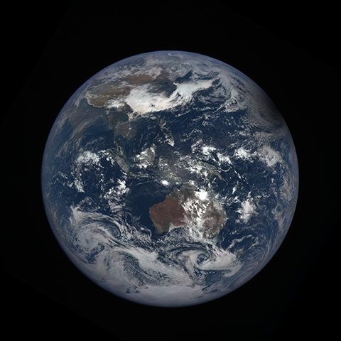 Image http://epic.gsfc.nasa.gov/epic-galleries/2016/solar_eclipse/thumbs/169_2016069034104-sm.png