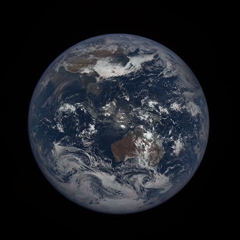 Image http://epic.gsfc.nasa.gov/epic-galleries/2016/solar_eclipse/thumbs/169_2016069040104-sm.png
