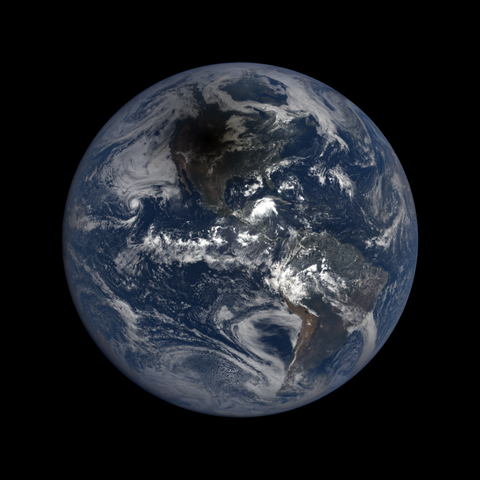 Image http://epic.gsfc.nasa.gov/epic-galleries/2017/total_solar_eclipse/thumbs/epic_1b_20170821174450.png