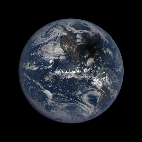 Image http://epic.gsfc.nasa.gov/epic-galleries/2017/total_solar_eclipse/thumbs/epic_1b_20170821184450.png