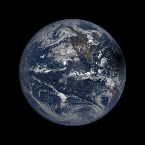 Image http://epic.gsfc.nasa.gov/epic-galleries/2017/total_solar_eclipse/thumbs/epic_1b_20170821194450.png