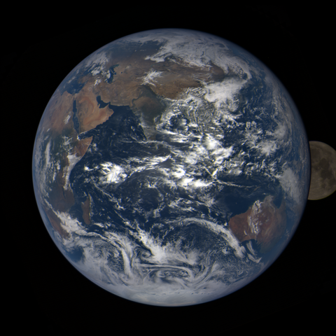 Image https://epic.gsfc.nasa.gov/epic-galleries/2020/lunar_occultation/thumbs/epic_1b_20201002063209_01.png