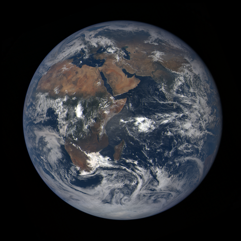 Image https://epic.gsfc.nasa.gov/epic-galleries/2020/lunar_occultation/thumbs/epic_1b_20201002090209_01.png