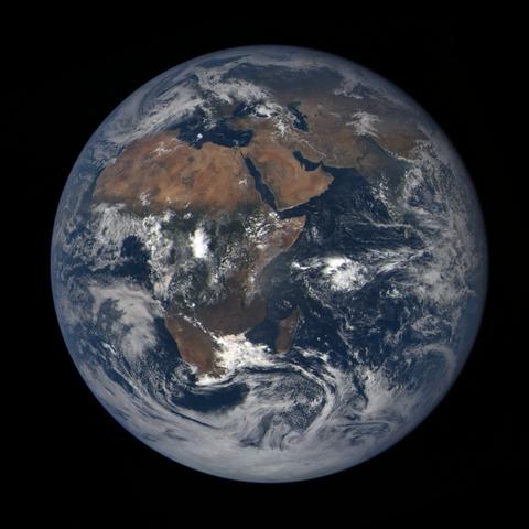 Image https://epic.gsfc.nasa.gov/epic-galleries/2020/lunar_occultation/thumbs/epic_1b_20201002093209_01.png
