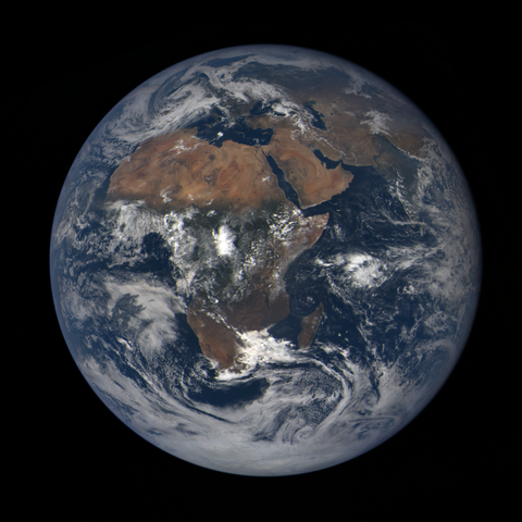 Image https://epic.gsfc.nasa.gov/epic-galleries/2020/lunar_occultation/thumbs/epic_1b_20201002100104_01.png