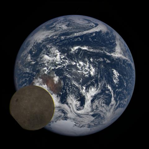 Image https://epic.gsfc.nasa.gov/epic-galleries/2021/lunar_transit/thumbs/epic_1b_20210211004104_03.png