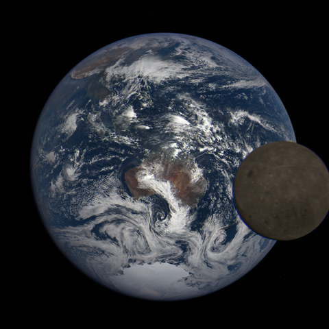Image https://epic.gsfc.nasa.gov/epic-galleries/2021/lunar_transit/thumbs/epic_1b_20210211025709_03.png