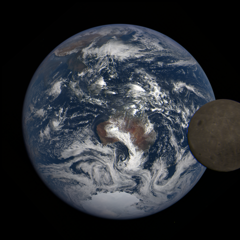 Image https://epic.gsfc.nasa.gov/epic-galleries/2021/lunar_transit/thumbs/epic_1b_20210211031209_03.png